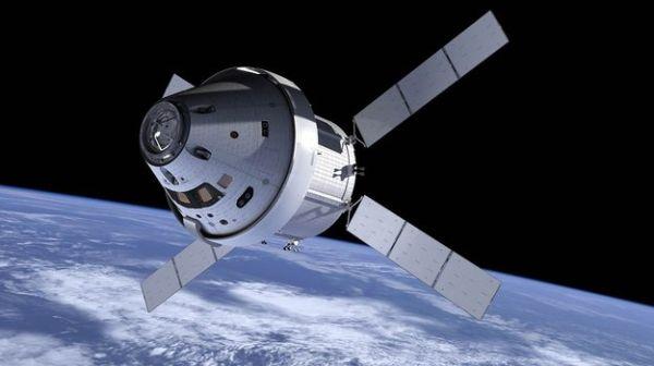 Космический модуль Orion.