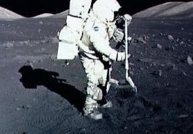 Когда лунный грунт окажется на Земле?