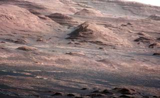Марсоход зафиксировал странные геологические образования