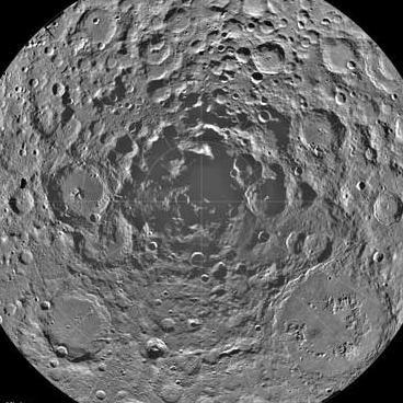 Земляне предпримут первую в своей истории экспедицию на лунный Южный полюс
