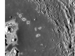 На поверхности Меркурия происходит активный процесс образования впадин