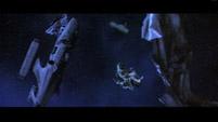 Первые кадры фильма - разбитый космический истребитель флота Земли
