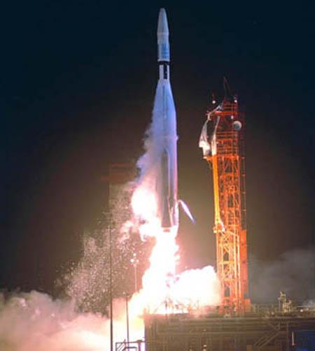 Запуск космического межпланетного корабля Mariner 2