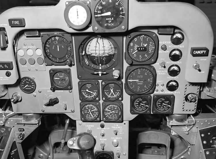 Первый планирующий полёт на Х-24В провел 1 августа 1973 года Билл Дана (Bill Dana)