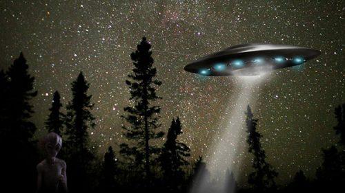 Инопланетяне и странный свист.