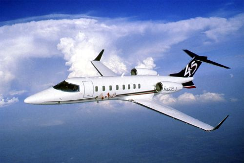"самолёт ""Learjet"" от компании Bombardier Business Aircraft"