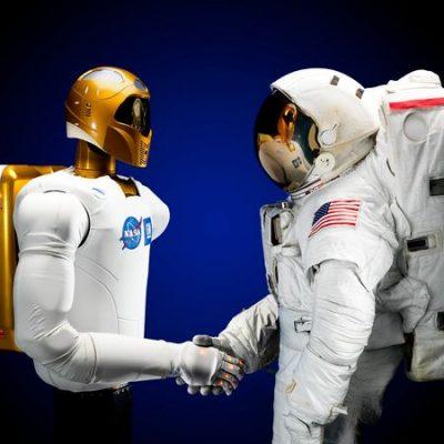 Андройд R2 – почти R2D2   (человекоподобный робот).