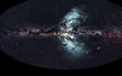 Из центра нашей галактики исходят мощные потоки гамма-лучей
