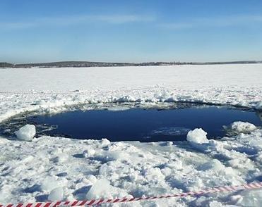 Кусок челябинского метеорита нашелся в озере Чебаркуль