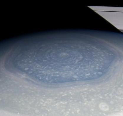 Сатурн не спешит раскрывать свои секреты